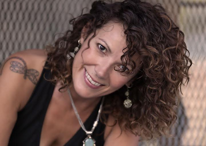 Curly Stylist Lisa Baker